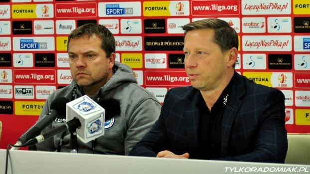 Trenerzy Vencevicius i Banasik po meczu Wigry - Radomiak