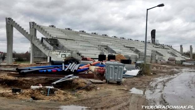 Drugi przetarg na dokończenie hali i stadionu